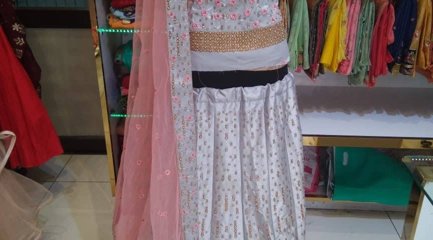 lehenga choli on rent in jalandhar, bridal lehengas on rent in jalandhar, party wear dresses on rent in jalandhar, lehenga on rent with price, bridal lehengas shops in jalandhar, Maharani Designer Boutique